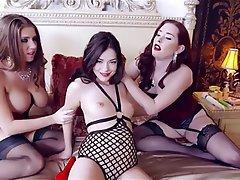 Lesbian, Strapon, Threesome